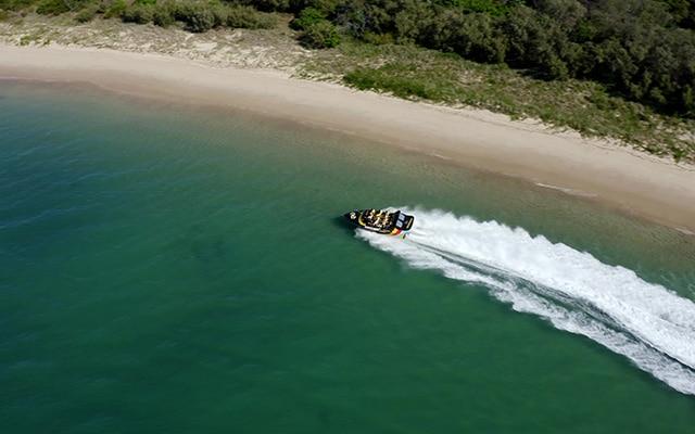 Paradise-Jet-Boating-Aerial-Wavebreak-Island-close-to-beach