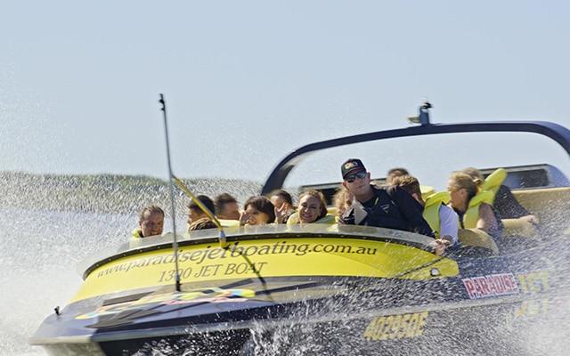 Paradise-Jet-Boating-Gold-Coast-Seaway-action