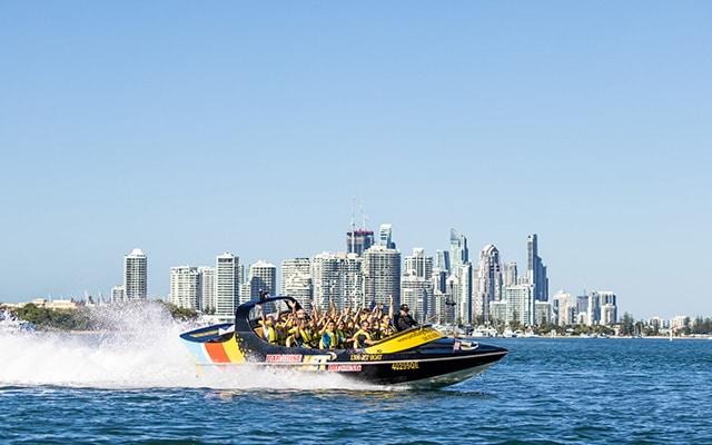 Paradise-Jet-Boating-Surfers-Paradise-Skyline-Spray